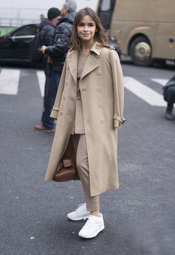 Miroslava Duma  - casaco-bege-miroslava-duma-tenis-branco - bege - inverno - street style