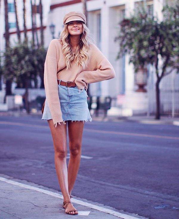 Elle Fergurson/Reprodução - tricot-saia-jeans-boina-flat-street-style - saia jeans - meia estação - street style