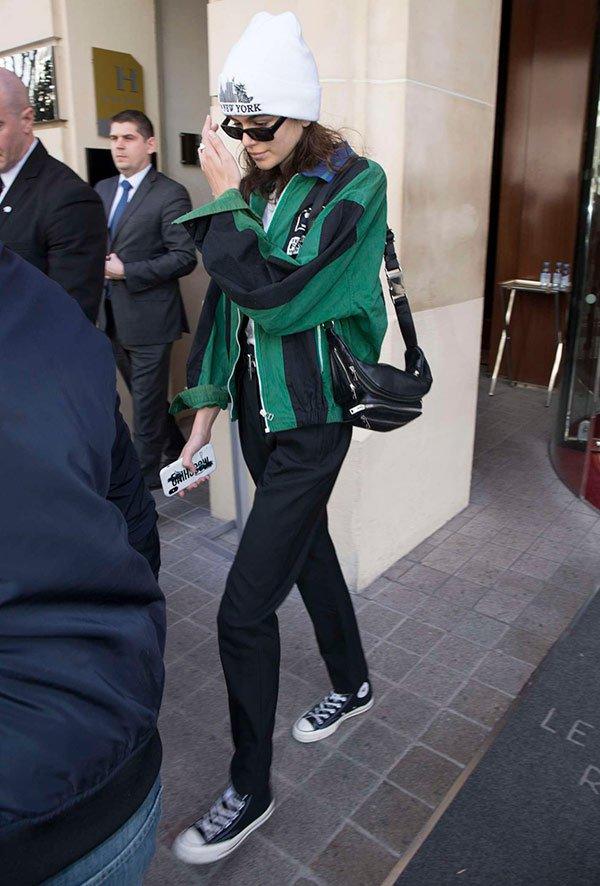kaia gerber - casaco - verde - looks - usar