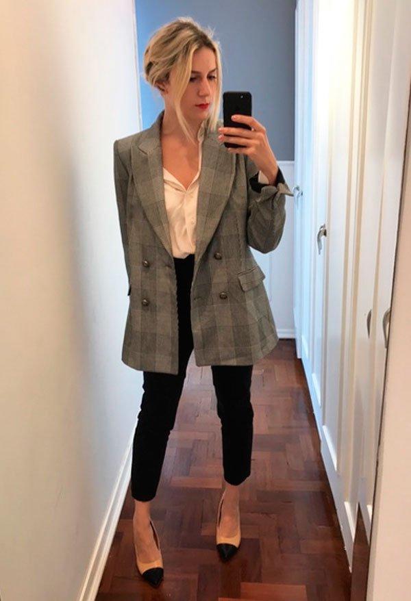 Karina Facci - camisa-branca-calca-alfaiataria-blazer-xadrez - office look - meia estação - office look