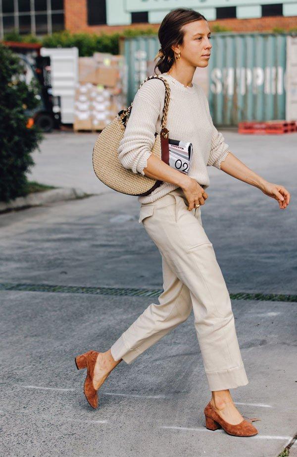 it girl - calca-look-bege-marrom-salto-mini - salto baixo - meia estação - street style