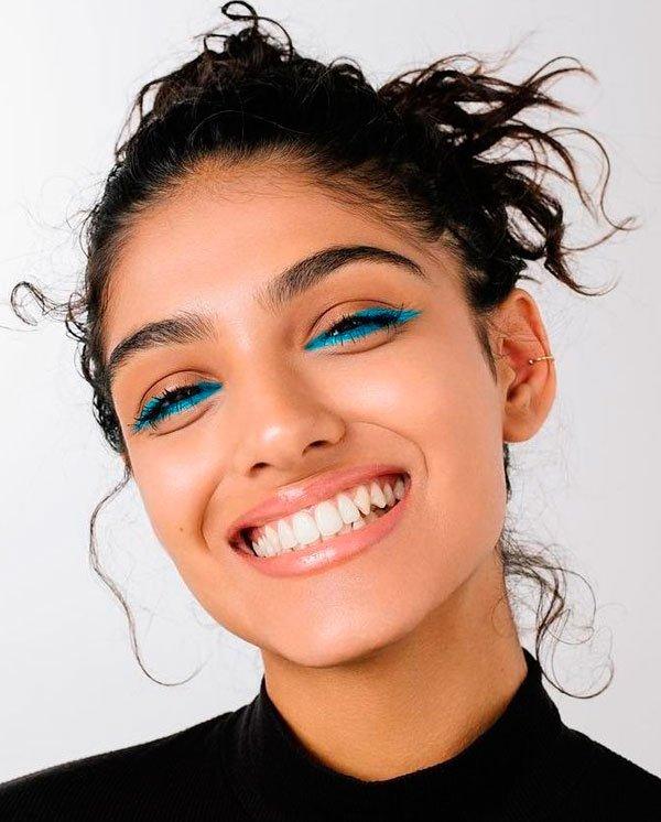 it-girl - maquiagem-delineado-azul-beleza - delineado colorido  - verão - estúdio