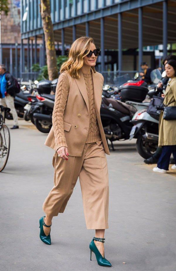 Olivia Palermo - look-bege-sueter-bege-calca-bege-blazer-bege - bege - inverno - street style