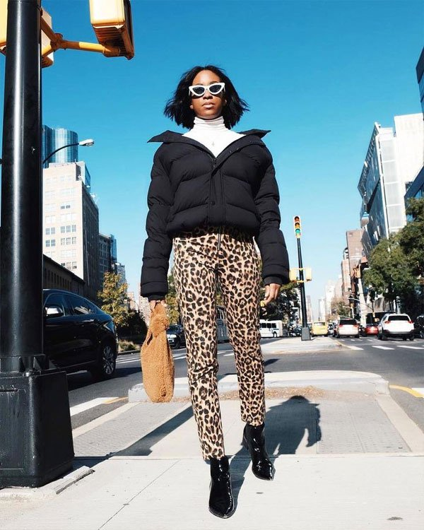 it-girl - puffer-jacket-calça-oncinha - calça-oncinha - inverno - street style
