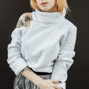 Suéter Ombro Vazado Branco Tamanho: P - Cor: Branco