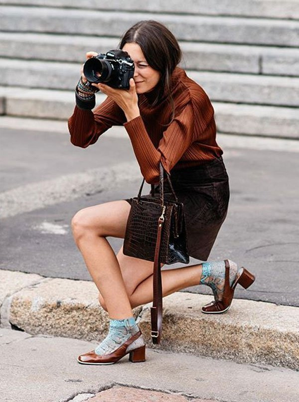 it girl - saia-couro-marrom-salto-mini - salto baixo - meia estação - street style