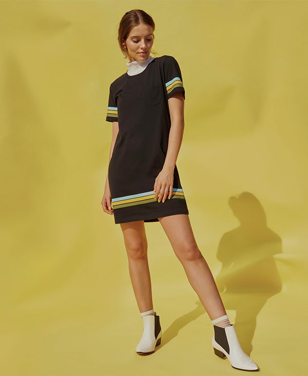 Reprodução - vestido-t-shirt-copa-bota-branca - copa do mundo t-shirt - verão - estúdio