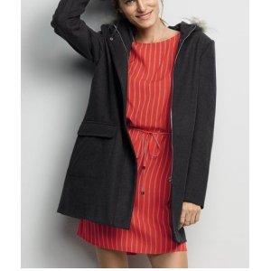 Vestido Curto Feminino Em Tecido De Viscose Com Cordão