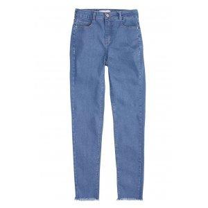 Calça Jeans Na Base Berlin Com Barra Desfiada