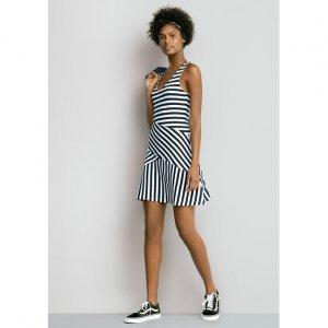 Vestido Em Malha De Viscose Com Modelagem Ajustada E Recortes