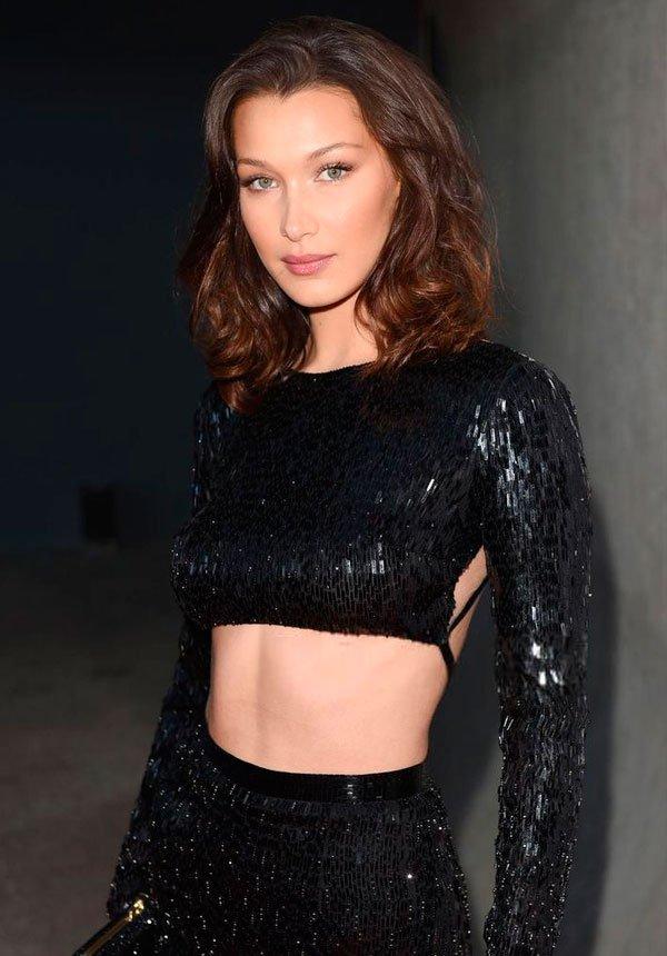 Bella Hadid - bella-hadid-cabelo-castanho-fios - cabelo castanho - inverno - red carpet