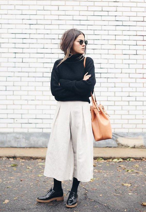 it girl - calca-bege-sapato-preto-meia-cala - calça - inverno - street style
