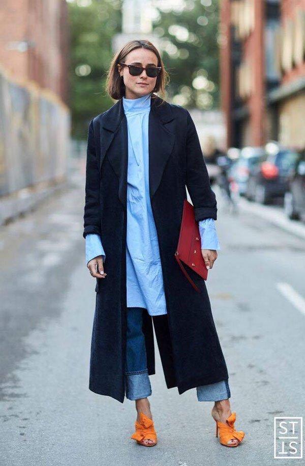 it girl - calca-jenas-camisa-alfaitaria-trench-coat-azul-mule-laranja - calça jeans - inverno - street style
