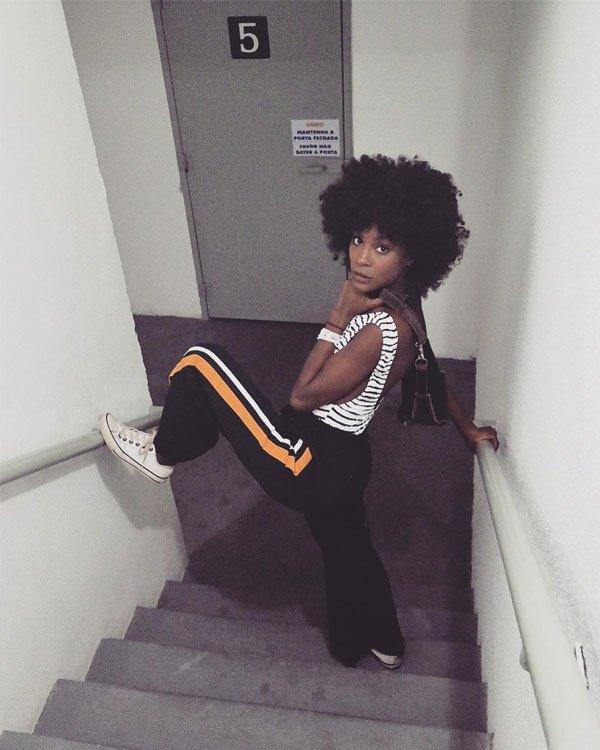 Jeniffer Dias  - body-listrado-calça-listras-all-star - listras - inverno - street style