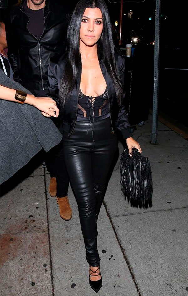 Kourtney kardashian - look - all black - couro - look