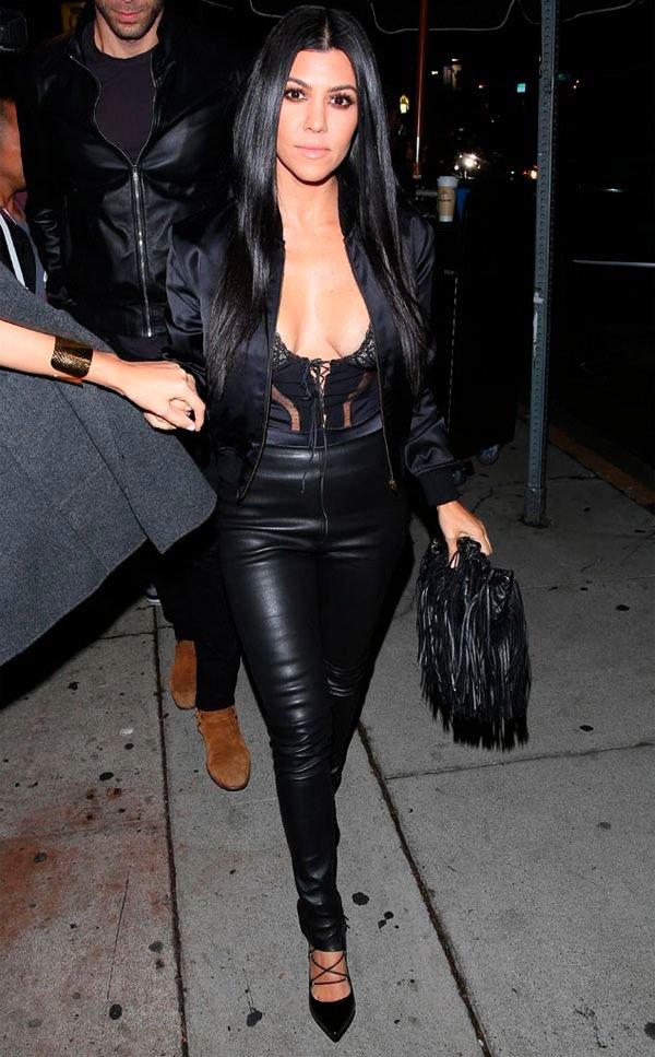 Kourtney Kardashian - calca-couro-body-lingerie-aparente - lingerie aparente - inverno - street style