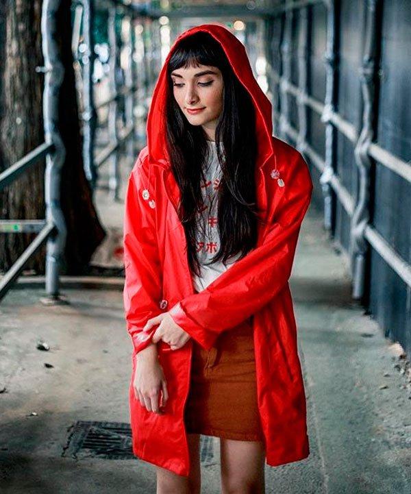 Larissa Lourenço/Reprodução - larissa-lourenco-t-shirt-jaqueta-corta-vento - jaqueta corta vento - inverno - street style