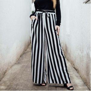 Calça Pantalona Listrada Tamanho: P - Cor: Preto E Branco
