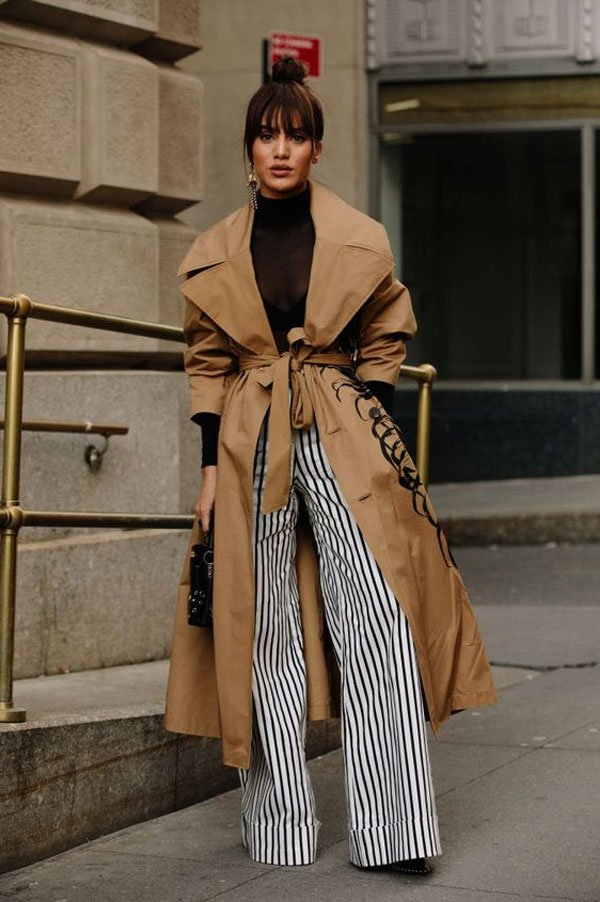 it-girl - blusa-tule-trench-coat-calça-listrada - listras - inverno - street style