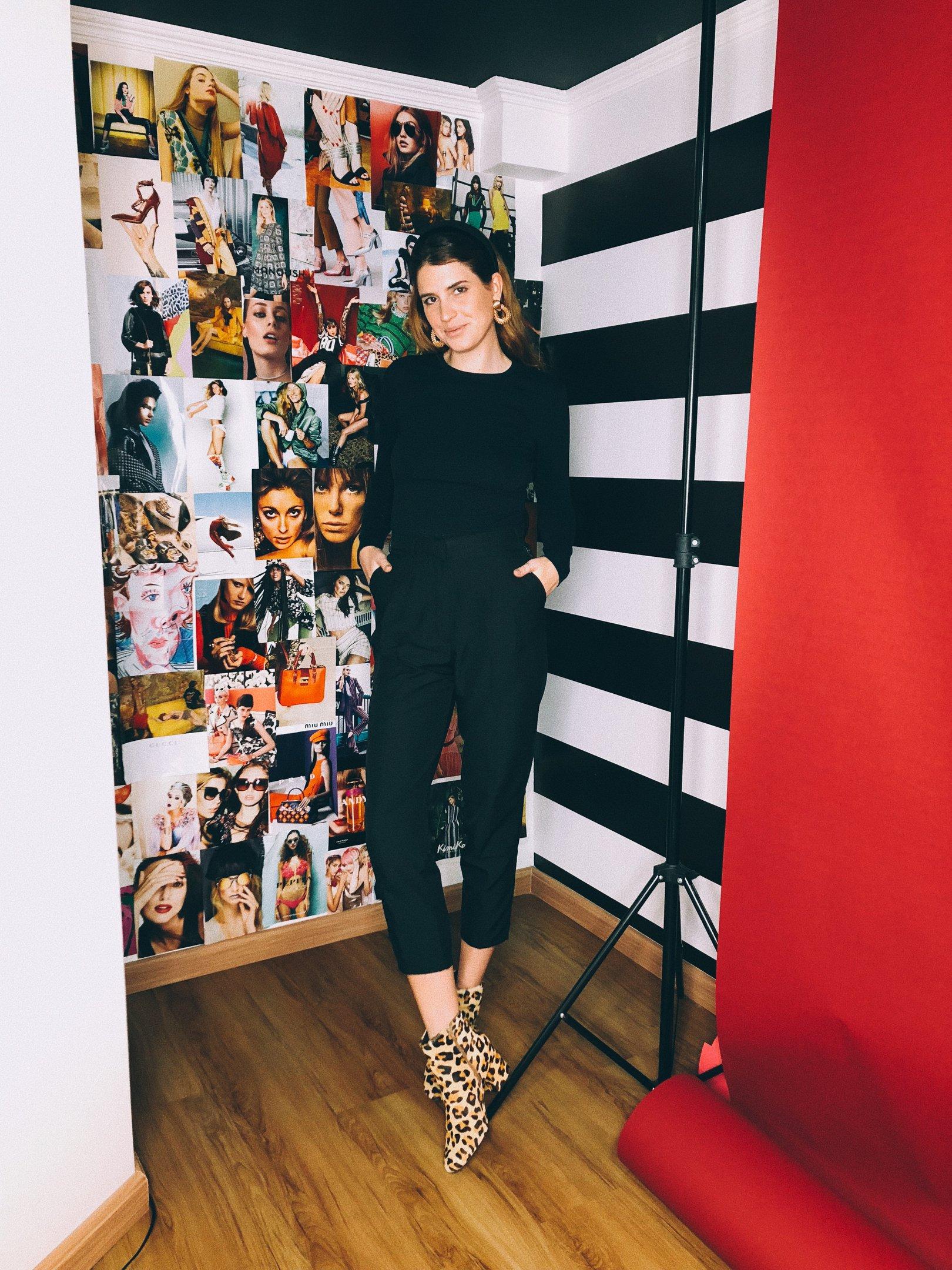 Manuela Bordasch - blusa-preta-calça-alfaiataria-bota-oncinha - calça-alfaiataria - inverno - street style