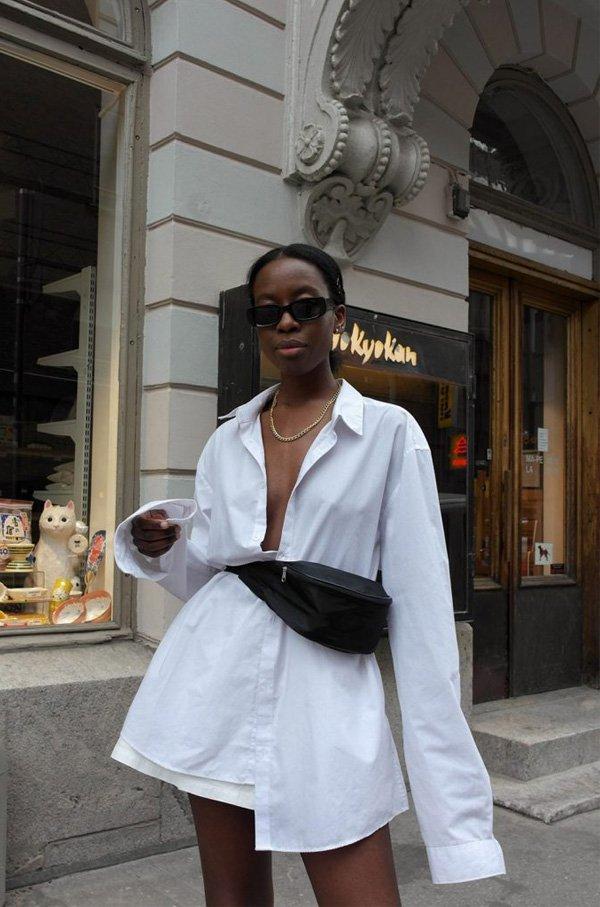 it girl - camisa-branca-pochete - camisa - verao - street style