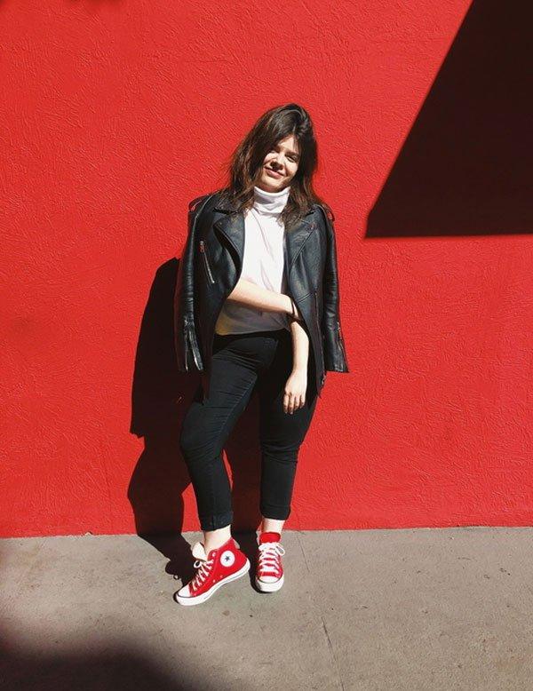 Carol Carlovich - calça-preta-t-shirt-jaqueta-couro-all-star - all-star - inverno - street style