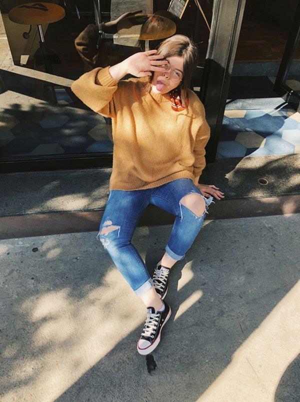 Carol Carlovich - tricot-calça-jeans-all-star - all-star - inverno - street style