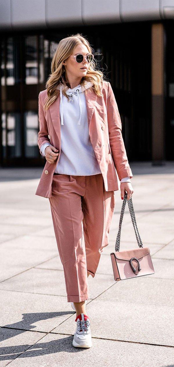 it-girl - conjunto-rosa-alfaiataria-moletom-tenis - tenis - inverno - street style