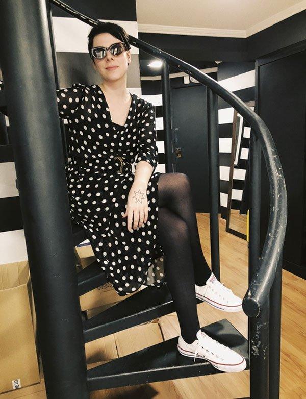 Gabriela Bonomi - vestido-poá-all-star - all-star - meia estação - street style