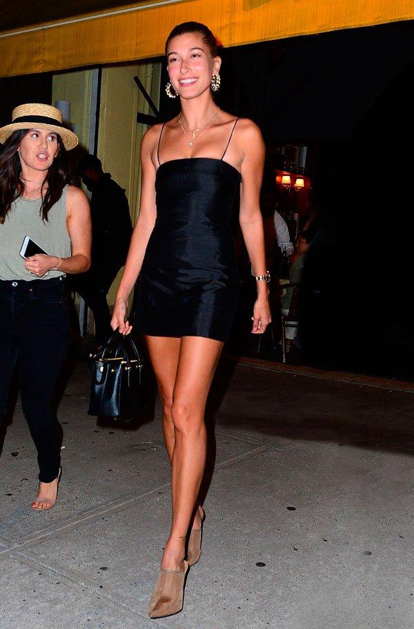 Hailey Baldwin - vestido-preto-look - vestido-preto-look - verão - street style