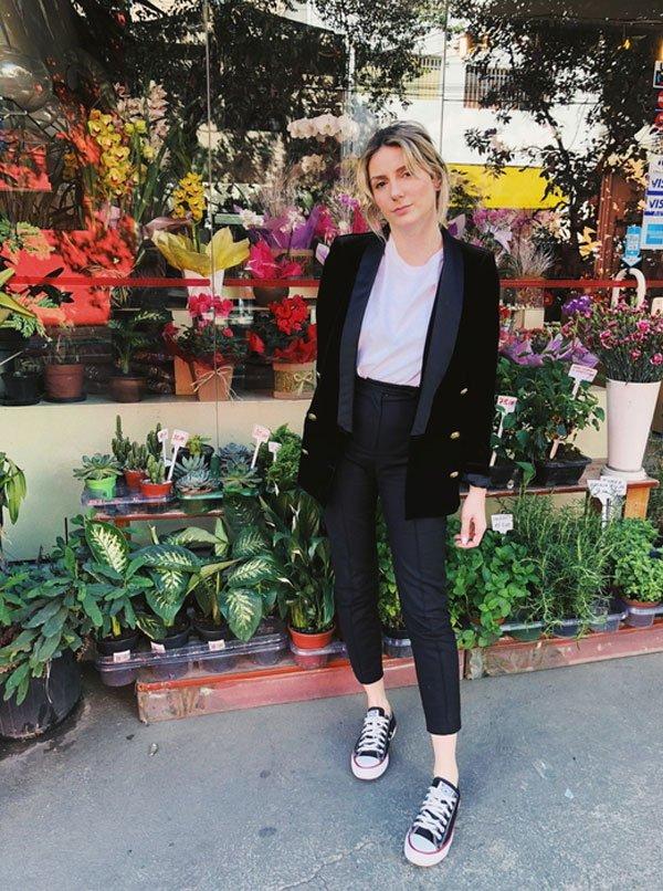 Karina Facci - blazer-calça-preta-all-star - all-star - meia estação - street style