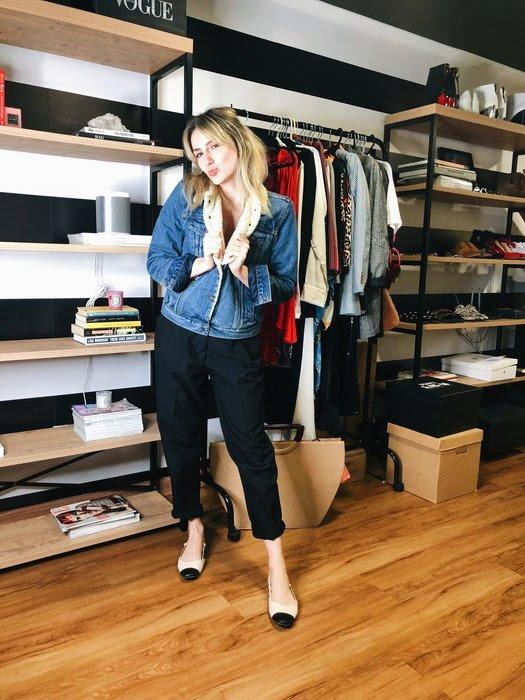 Karina Facci - jaqueta-jeans-shearling-calça-alfaiataria-sapatilha - calça-alfaiataria - inverno - street style