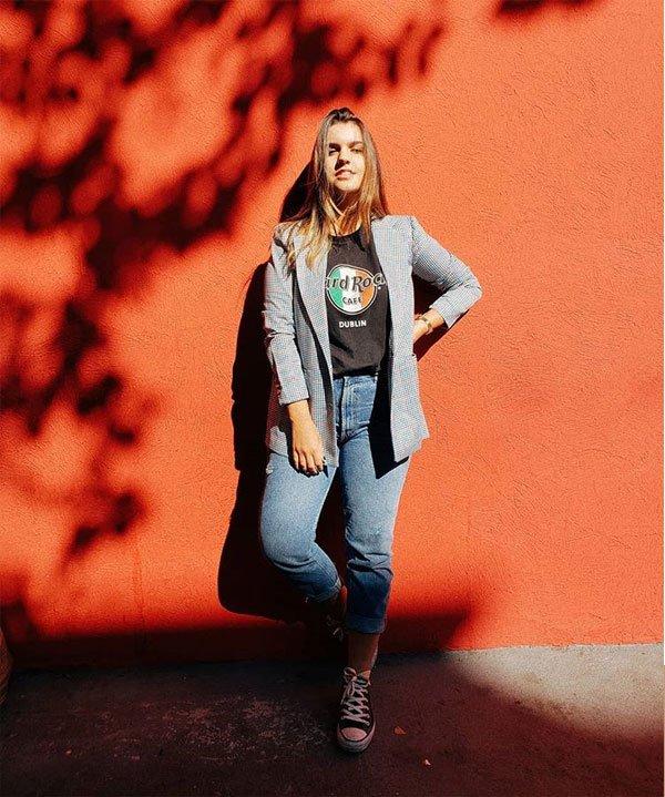 Lara Lincoln - t-shirt-blazer-calça-jeans-all-star - t-shirt - meia estação - street style