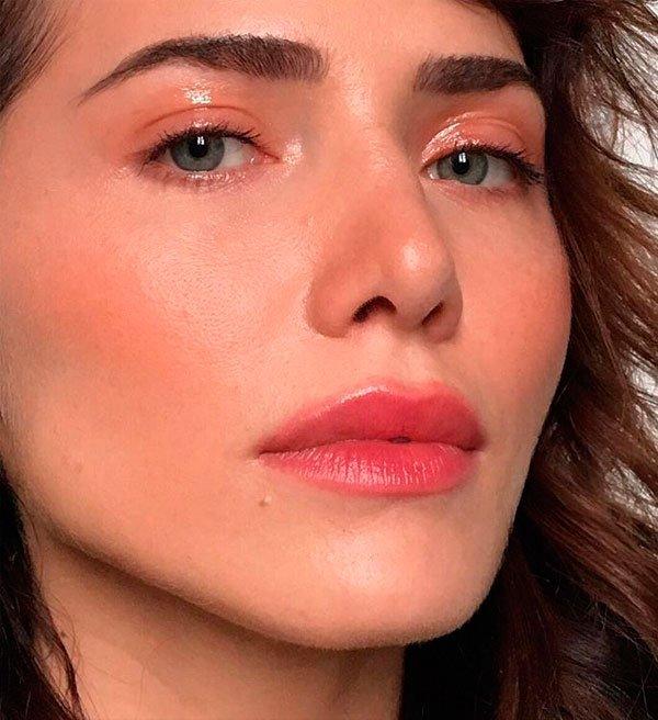 Letícia Colin - maquiagem-fresh-batom-vermelho-glow - maquiagem fresh - verão - estúdio