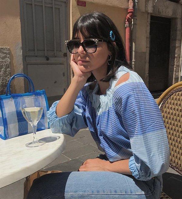 María Bernad - camisa-azul-calca-azul-bolsa-azul - monocromático - meia estação - street style