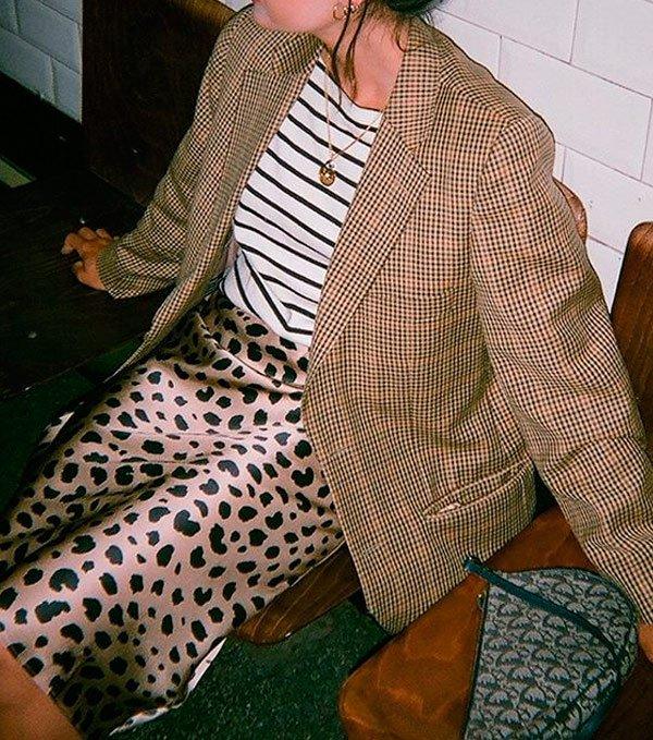 María Bernad - maria-bernard-t-shirt-saia-onca-blazer - animal print - verão - street style