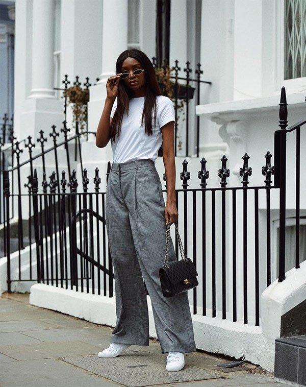 Natasha Ndlovu - blusa-branca-calça-alfaiataria-tenis - tênis - meia estação - street style