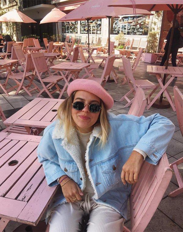 Nathália Medeiros - jaqueta-jeans-boina-rosa - boina - inverno - street style