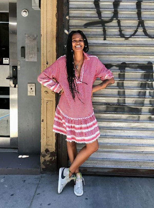 Crystal Anderson - vestido-vichy-tenis - tenis - verão - street style