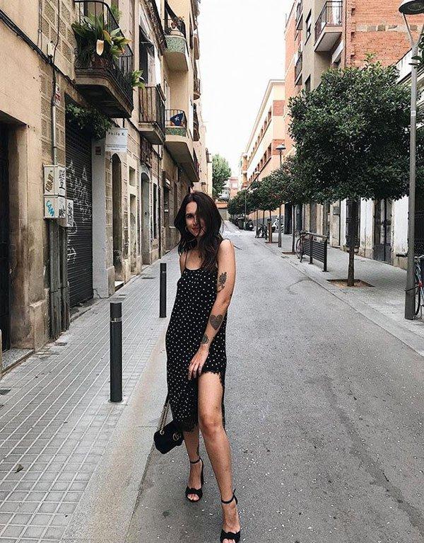 Vic Hollo - vestido-poá-sandalia - poá - meia estação - street style