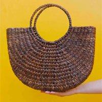 Brown Straw Bag Size: U - Color: Brown