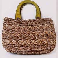 Medium Straw Bag Size: U - Color: Brown