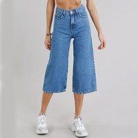 calça jeans feminina pantacourt azul claro