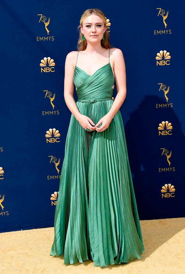 Dakota Fanning - dakota-fanning-emmy-awards - vestido - verão - Emmy Awards