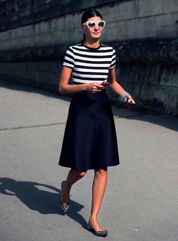 Giovanna Battaglia - t-shirt-listra-saia-flat- - t-shirt-listra - verão - street style