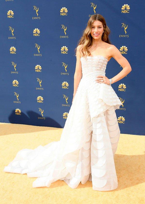 Jessica Biel  - /jessica-biel-emmy-awards - vestido - verão - Emmy Awards