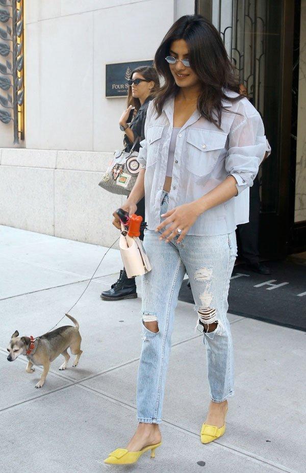 priyanka - chopra - looks - street style - jeans