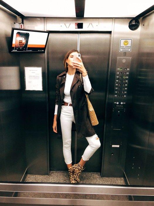 Manuela Bordasch - trenchcoat-jeans-camiseta-bota - animal print - verão - street style