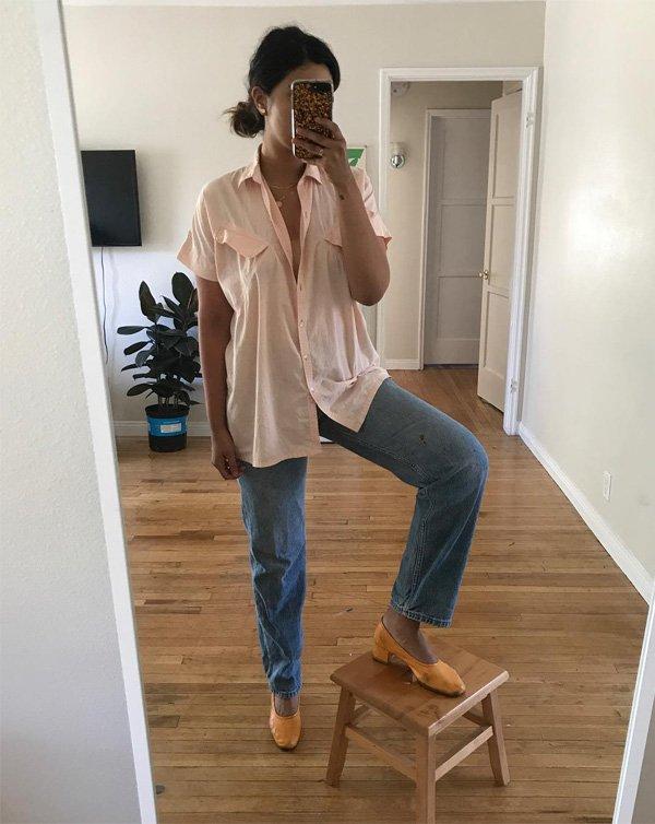 it girl - calca-jeans-sapato-amarelo-camisa-rosa - sapato - verão - street style