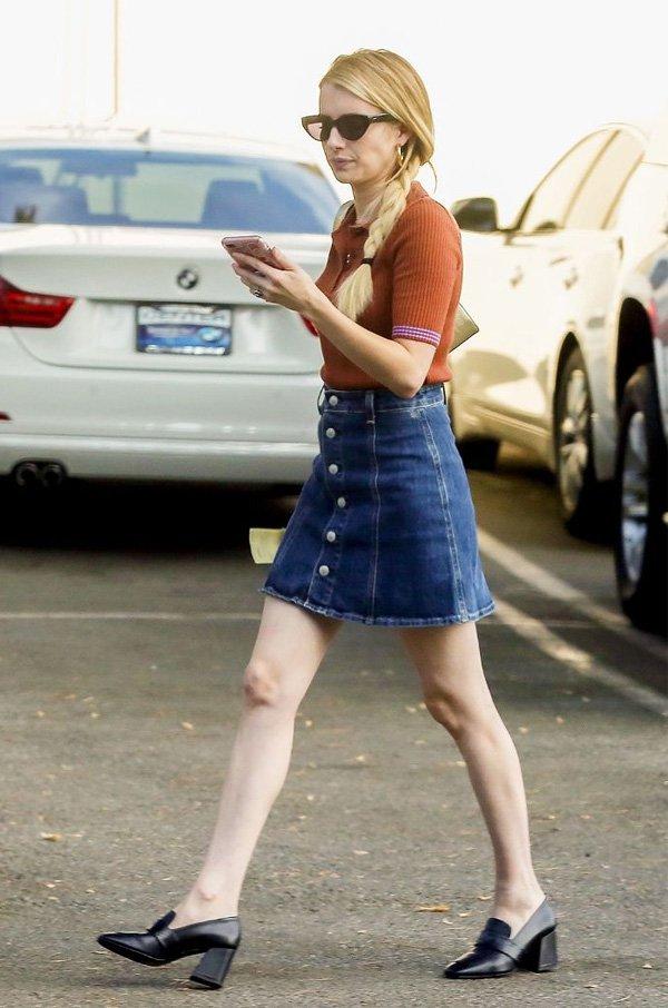 Emma Roberts - saia-jeans-sapato - saia jeans - verão - street style